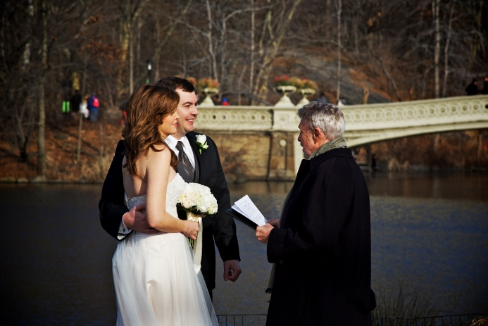 winter-elopement-at-bow-bridge-2