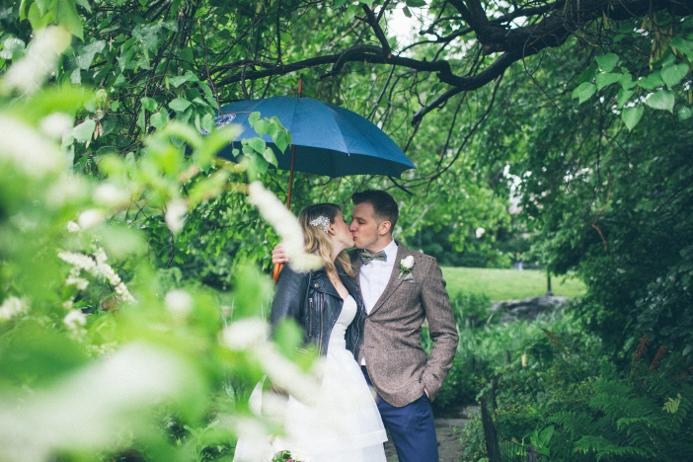 rainy-day-wedding-at-the-ladies-pavilion (11)
