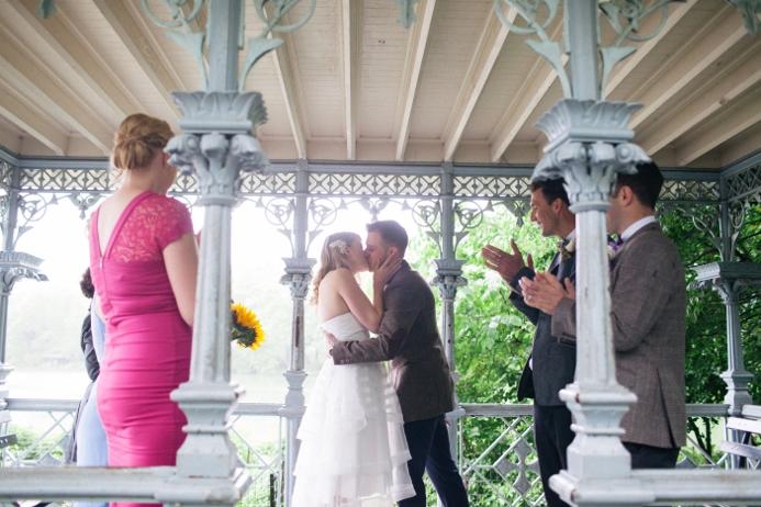rainy-day-wedding-at-the-ladies-pavilion (6)