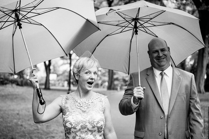 summer-wedding-in-shakespeare-garden (1)