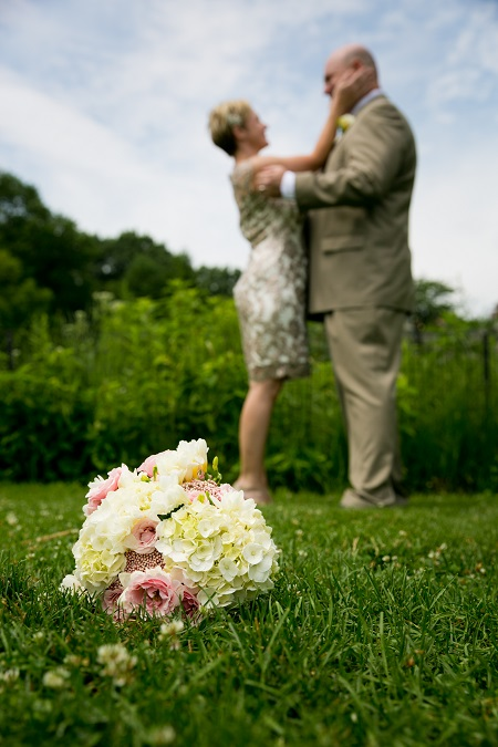 summer-wedding-in-shakespeare-garden (13)