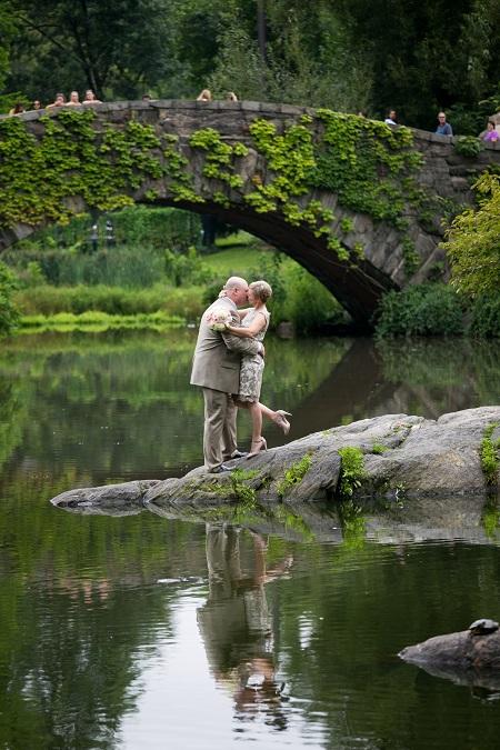 summer-wedding-in-shakespeare-garden (17)