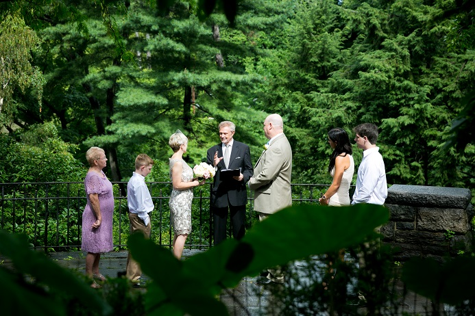 summer-wedding-in-shakespeare-garden (2)