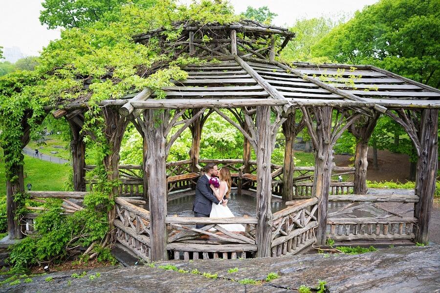 Wedding couple kisses in Dene Summerhouse Treehouse for Dreaming