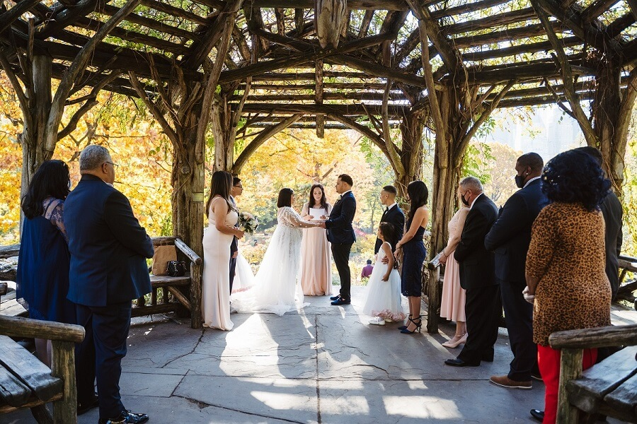 Couple getting married at Dene Summerhouse Central Park