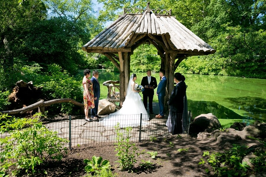 Intimate wedding ceremony at Wagner Cove in Spring