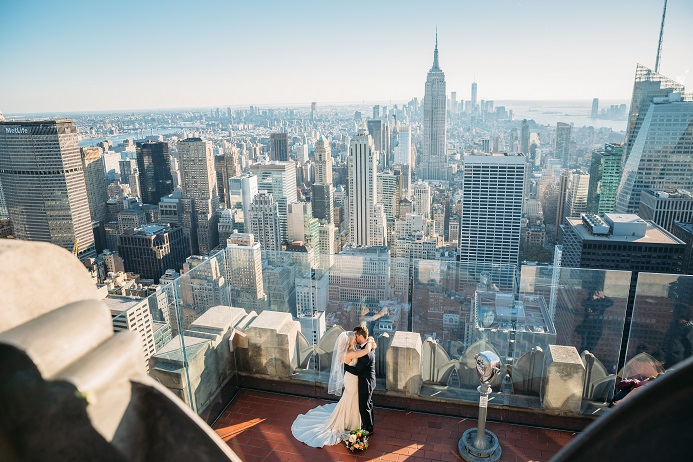 wedding couple on top of the rock observation deck