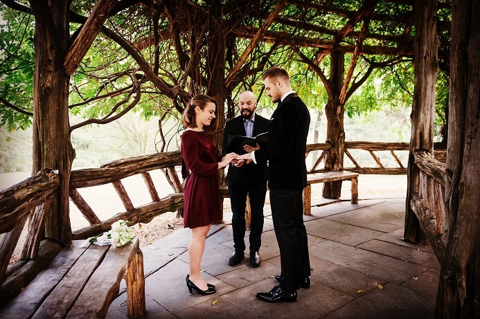 We can arrange a bilingual wedding officiant in Central Park