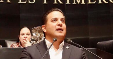 Senadores urgen revisar reclutamiento de niños autodefensas en Guerrero