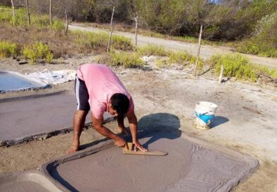Continúa producción de sal en Las Salinas, sin medidas sanitarias