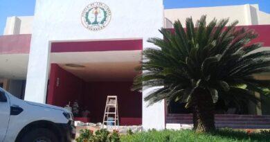 Cortan energía eléctrica al auditorio municipal de Ayutla por falta de pago