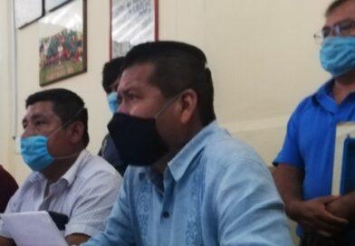 Comisarios exigen auditoria a obras de carretera en San Luis Acatlán