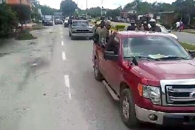 Policía ciudadana realiza un recorrido de vigilancia por la zona delta