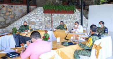 <strong>Acuerdan Astudillo, alcaldes y sector turístico medidas más rigurosas para frenar Covid 19</strong>