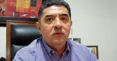 <strong>Félix Salgado es el candidato oficial de Morena ante el IEPC</strong>