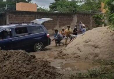 <strong>Ciudadanos de Quetzalapa se quejan de calle en mal estado</strong>