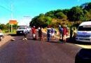 <strong>Pobladores de Chautengo bloquean carretera Acapulco-Pinotepa</strong>