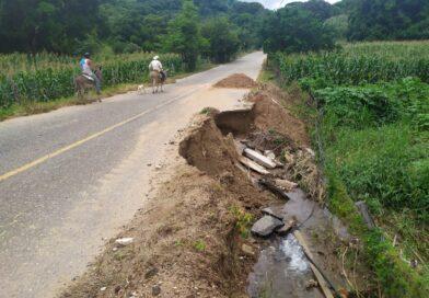 <strong>Pésimas condiciones de la carretera San Luis-Cuanacaxtitlán pese a reparaciones</strong>