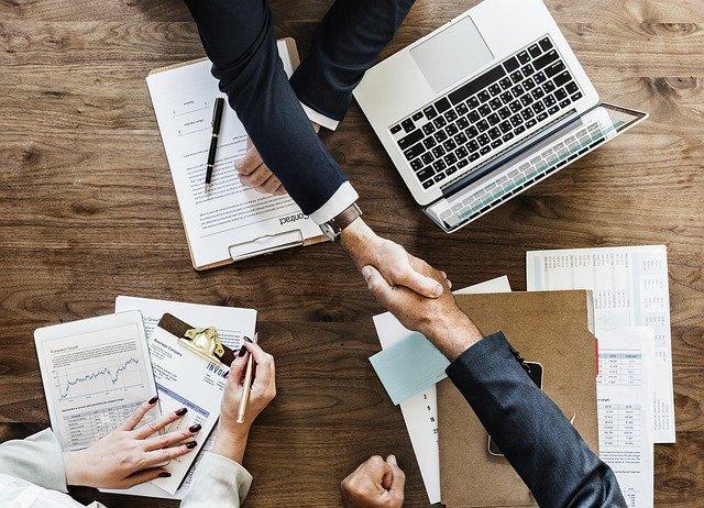 teamwork shaking hands