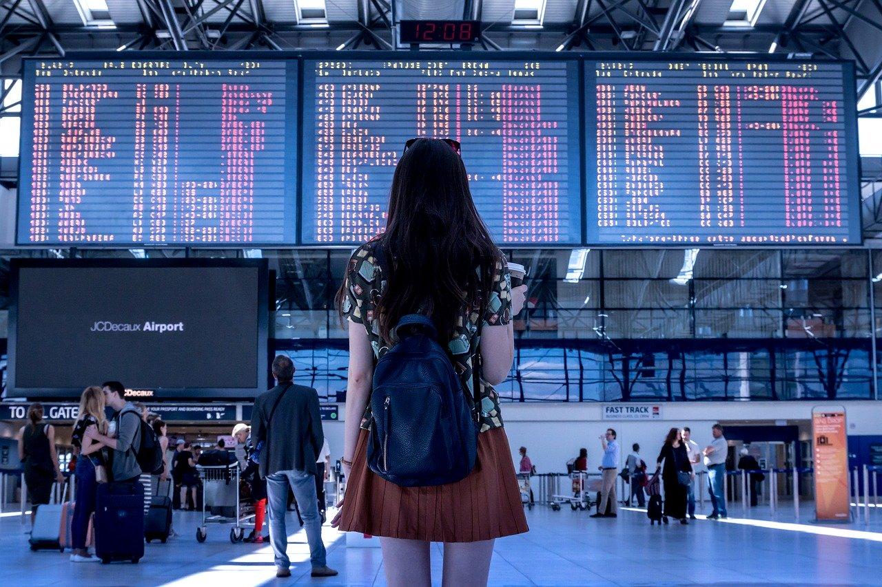 woman travel photo