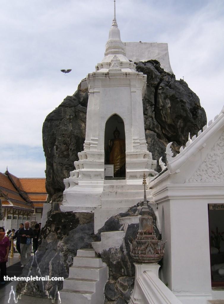 Wat Phra Phutthabat, Shrine