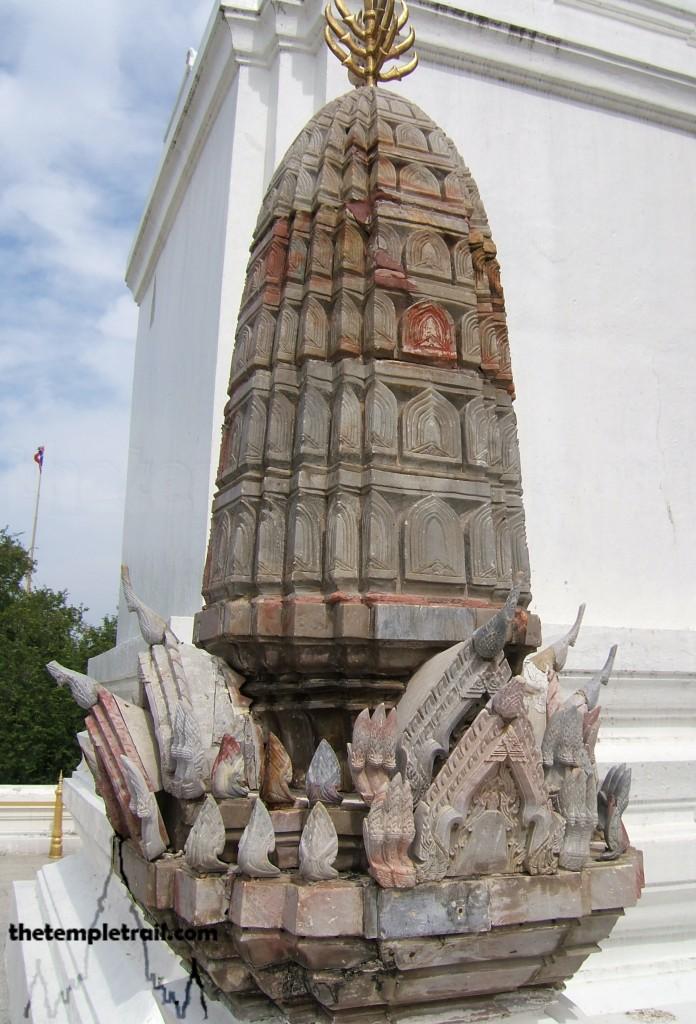 Wat Phra Phutthabat. Miniature Prang