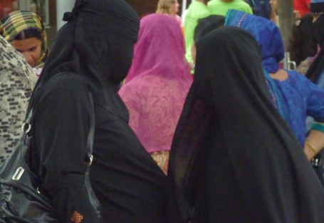 Toronto Imam; We Draw the Line at France Limiting Women's Hijab Rights
