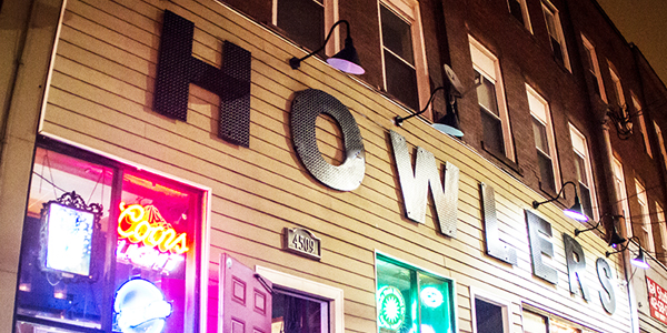 Howlers-Sign_001-web-600