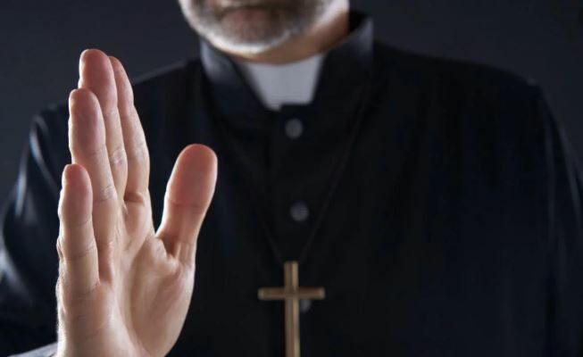 La Descarada Respuesta De Un Obispo Sobre El Cura Que Se Masturbó Delante De Un Grupo De Niños En Argentina