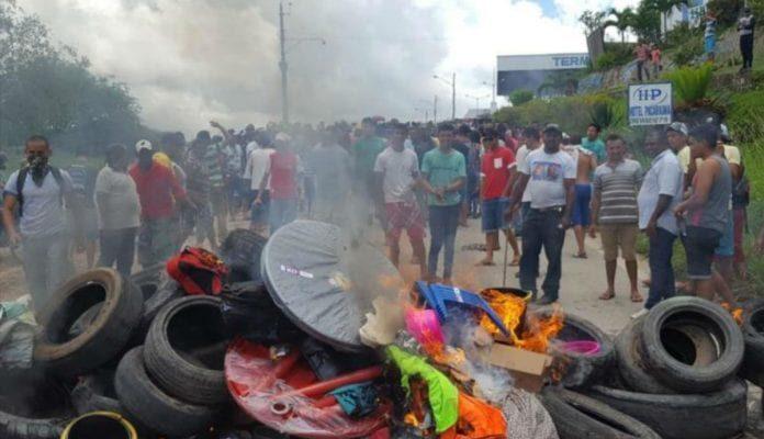 Brasileños Protestan Contra El Aumento De La Violencia En La Frontera Con Venezuela