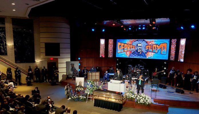 Cientos De Personas Homenajearon A George Floyd En EE UU
