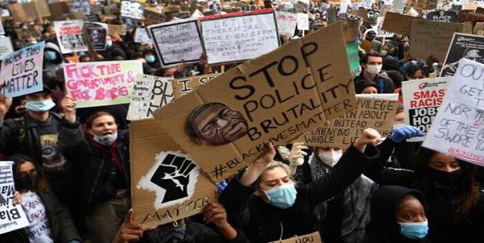 Madonna Y Banksy Protestaron En El Reino Unido