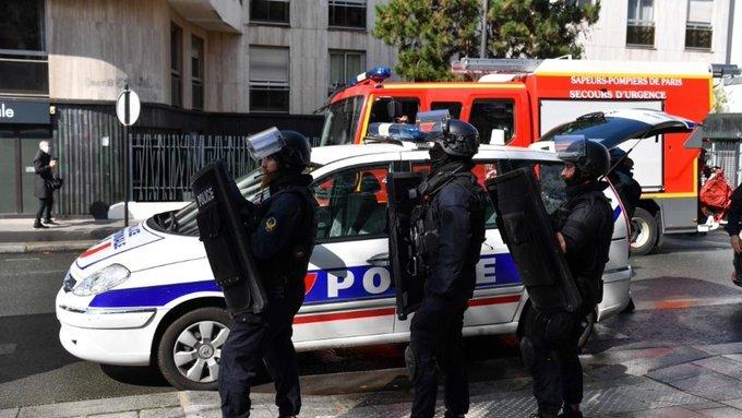 Un Hombre Fue Decapitado En París