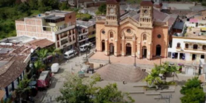 Incursión Armada En Colombia Deja Cuatro Muertos