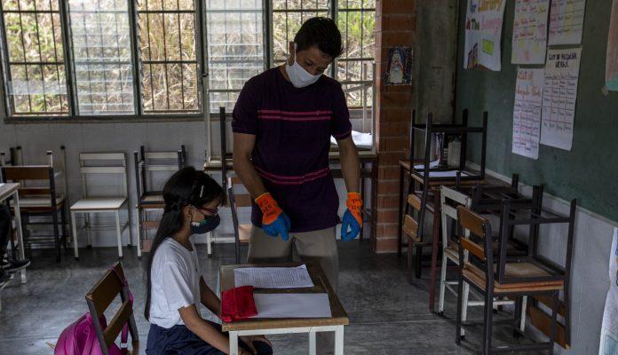 Estudiantes Ocuparán Solo 50% De Los Salones En El Regreso A Clases