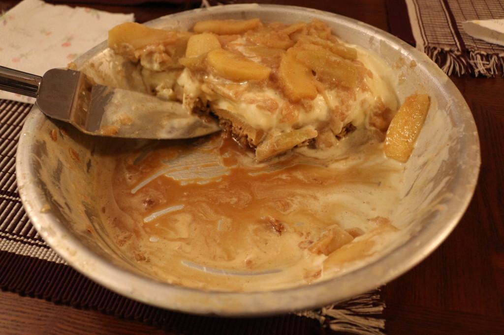 Upside down apple pie a la mode
