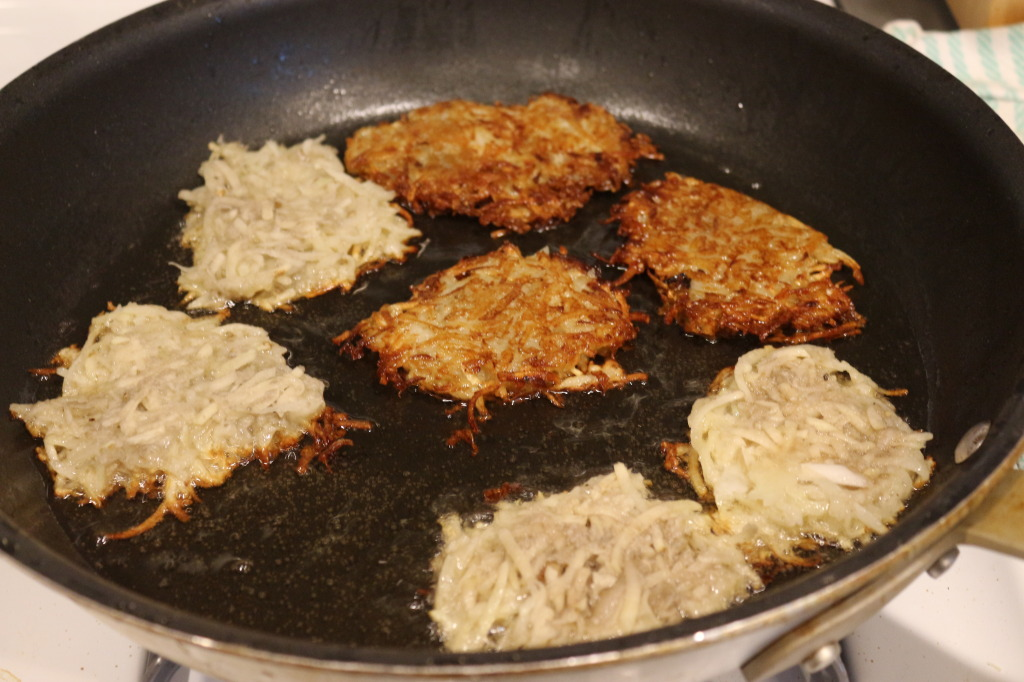 Cooking the latkes
