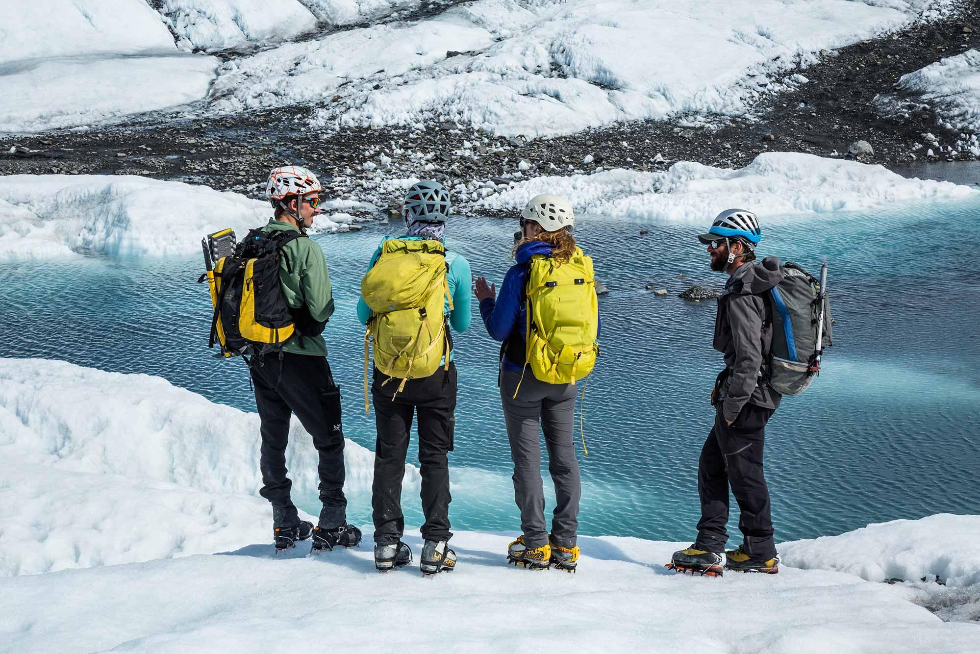 Heli-Dropoff on Glacier