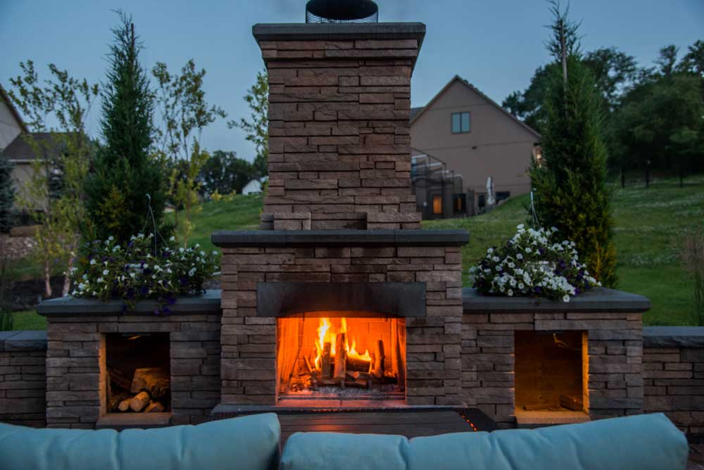 Paver Patio, Fireplace & Outdoor Kitchen
