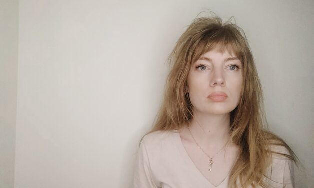 """Marlae makes an escape to synth-pop bliss with """"Runaways"""""""