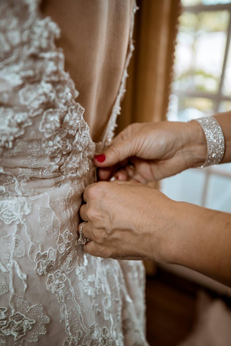 melissa krouse wedding dress 3_768x1152