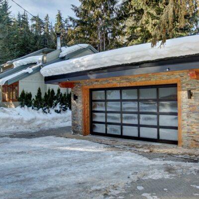 costum residential garage door