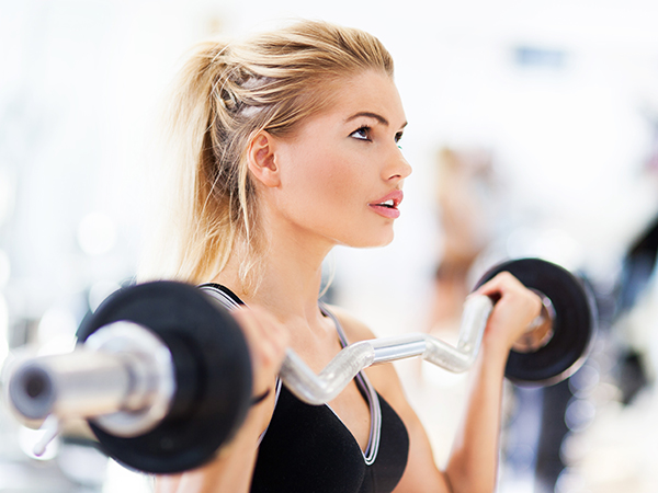 4 Powerful Reasons ALL Women Should Lift Weights