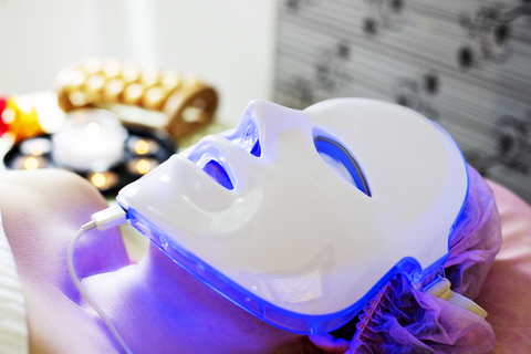 Harmonic Light Therapy Mask.  ID 144413867 © Viculia | Dreamstime.com