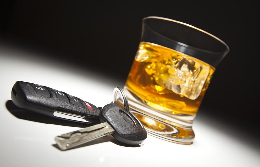bigstock-Alcoholic-Drink-and-Car-Keys-U-17604377