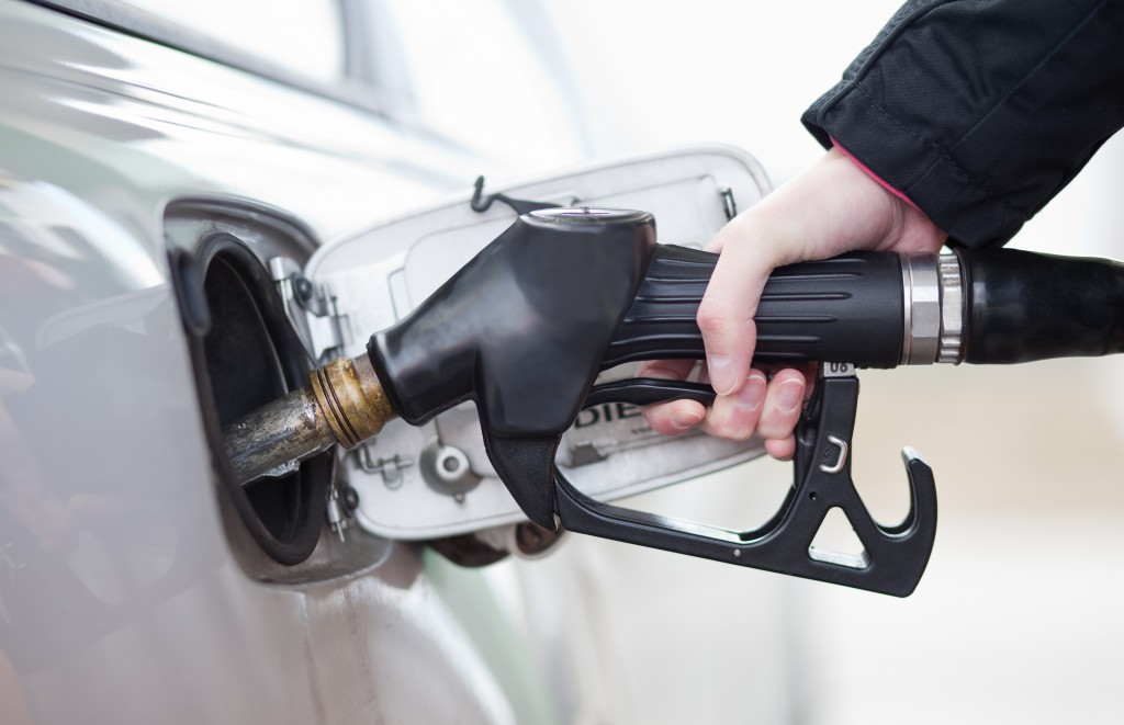 save money at the gas pump refueling