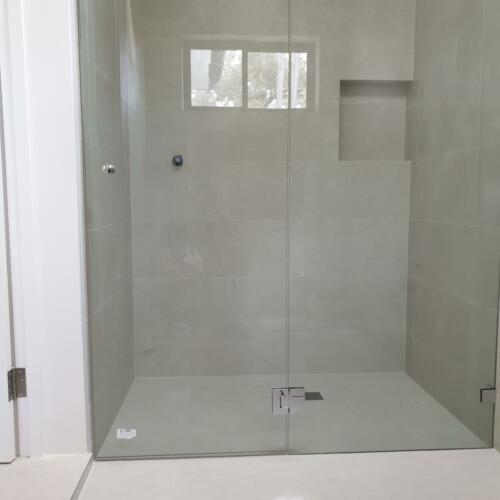 Frameless Shower Screen wall to wall