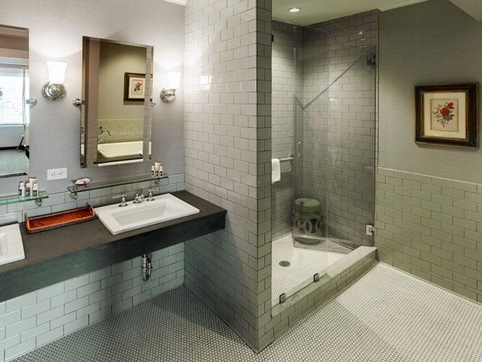 Colgate Inn Shower