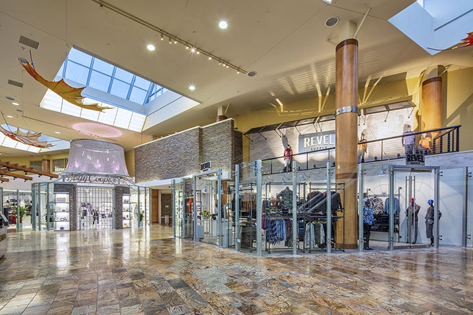 The Commons at Turning Stone Foyer
