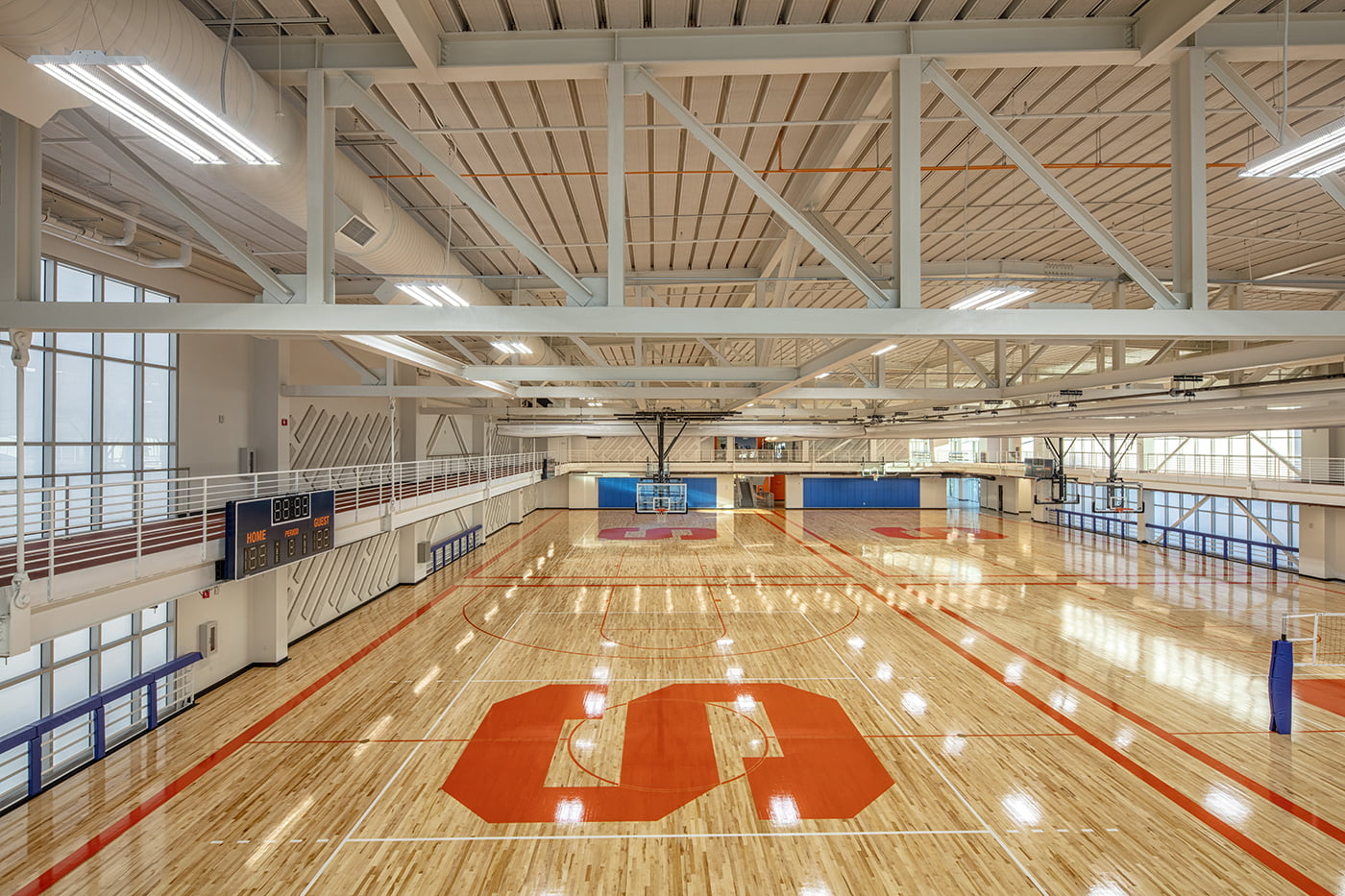The Barnes Center at the Arch Workout Basketball Court